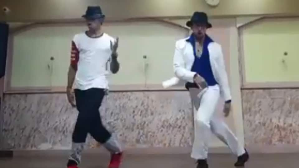 Watch Tiger Shroff's dance tribute to Michael Jackson on