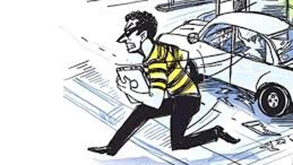 The police said a city-based trader lodged a complaint on Thursday morning and alleged that his former employee and his two accomplices stole Rs 2.9 lakh from his shop at Caliber Plaza, Bhadaur House.