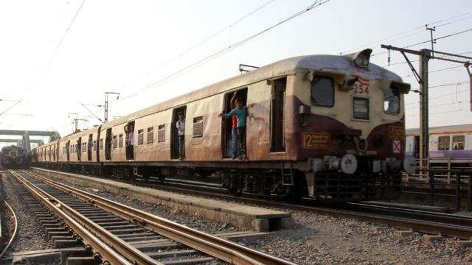 A 16-year-old girl and her alleged lover attempted suicide by jumping before a running train.