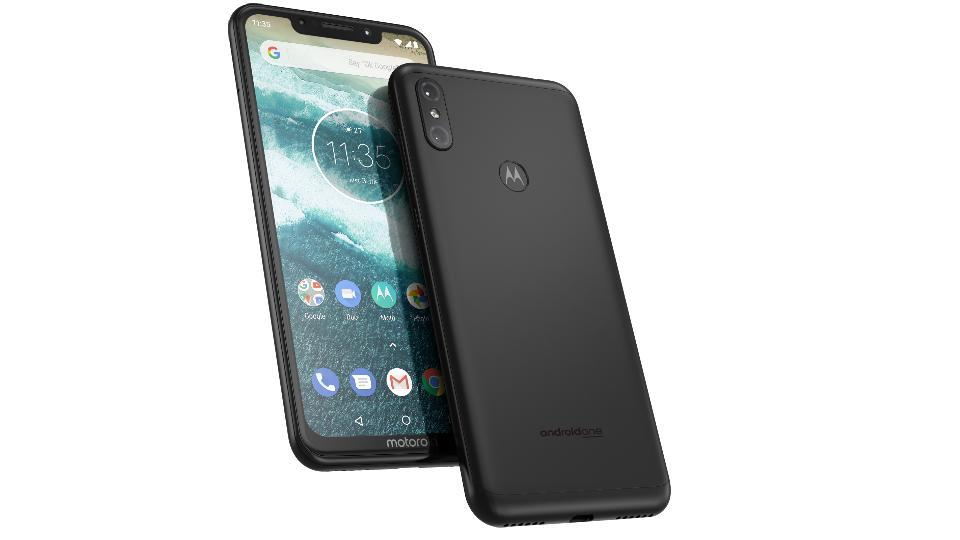Motorola One Power features a 6.2-inch Full HD+ display with 19:9 aspect ratio.