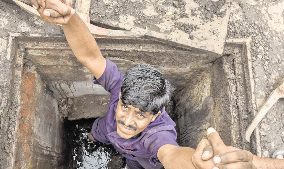 mumbai,sanitation,worker
