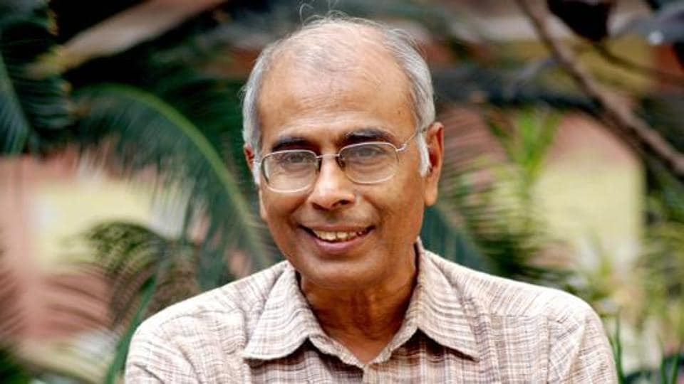 The Narendra Dabholkar murder case was initially handled by the state police, but in May 2014, it was handed over to the CBI by the Bombay high court.