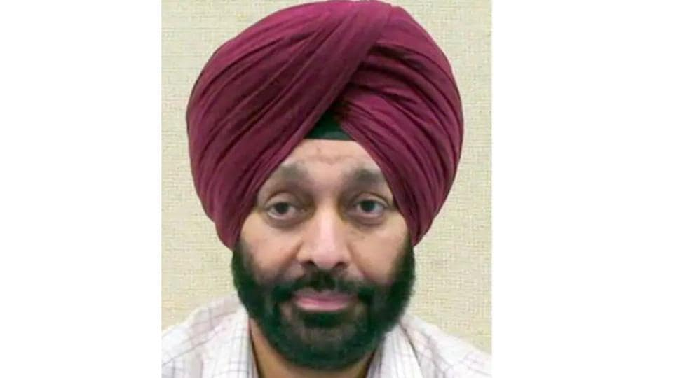 former IAS officer Mandeep Singh,graft case,Mehtab Singh Gill Commission