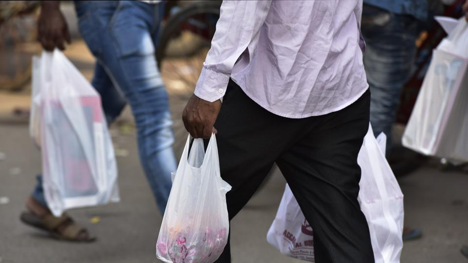 Ambernath – 500kg plastic bags seized.