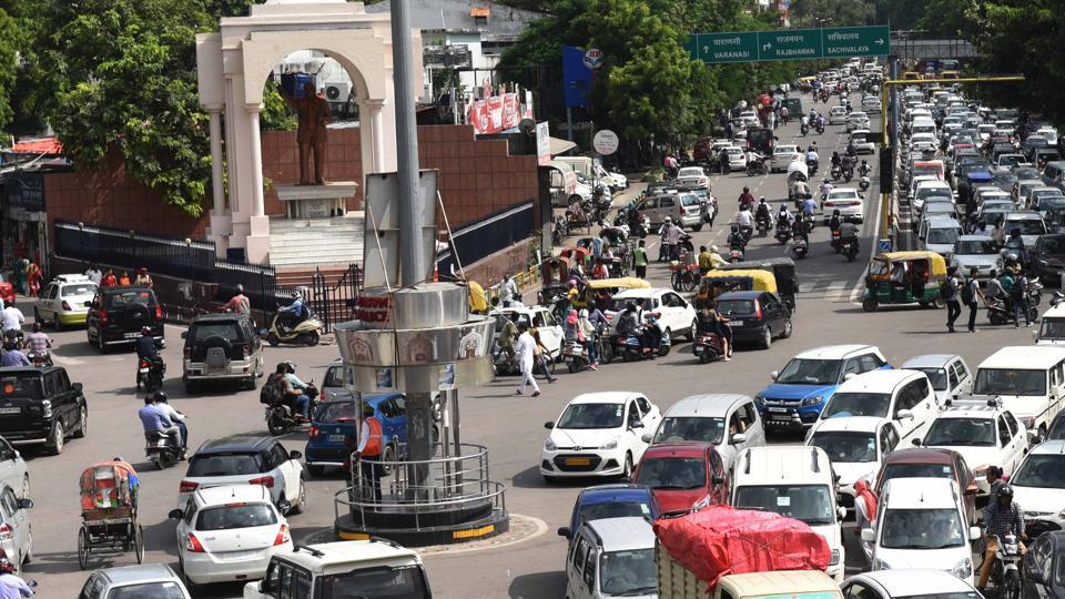 Lucknow,Atal Bihari Vajpayee,Crossing