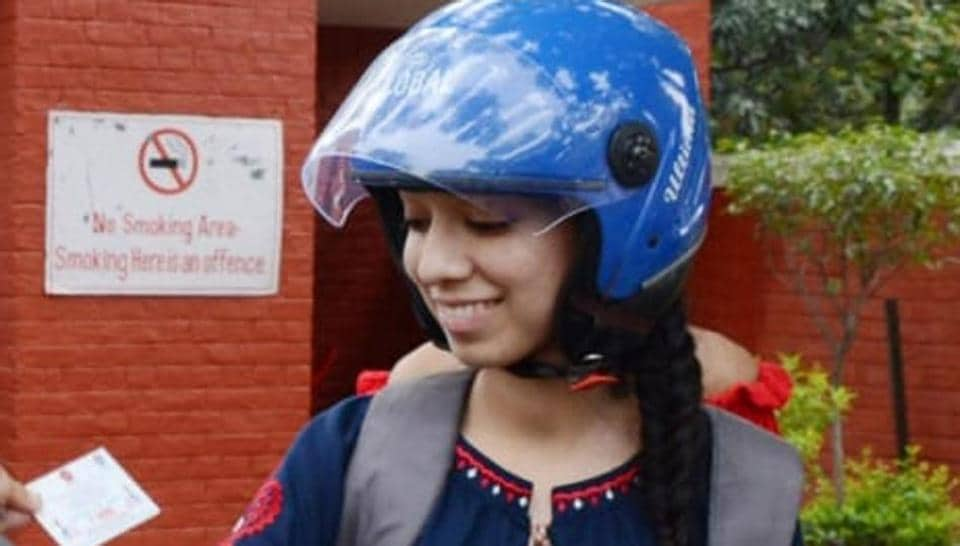 Delhi Traffic Police,Helmets,Awareness drive