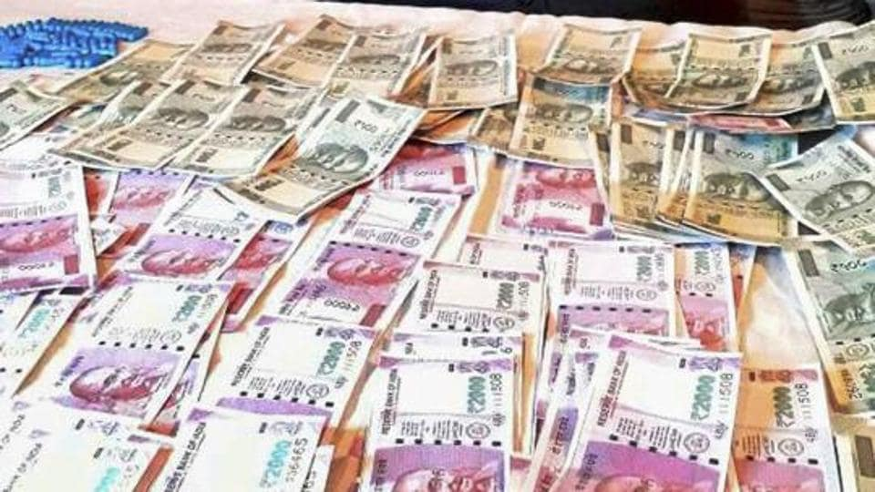 health hazards,currency notes,Traders body