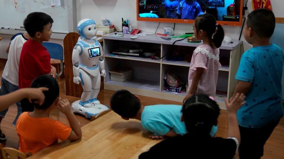 China kindergarten principal,China school pole dance,China school principal