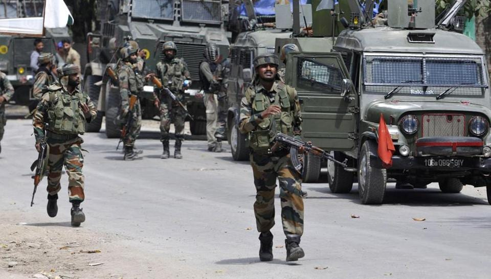 Jammu and Kashmir,Pulwama,Youth killed in clashes