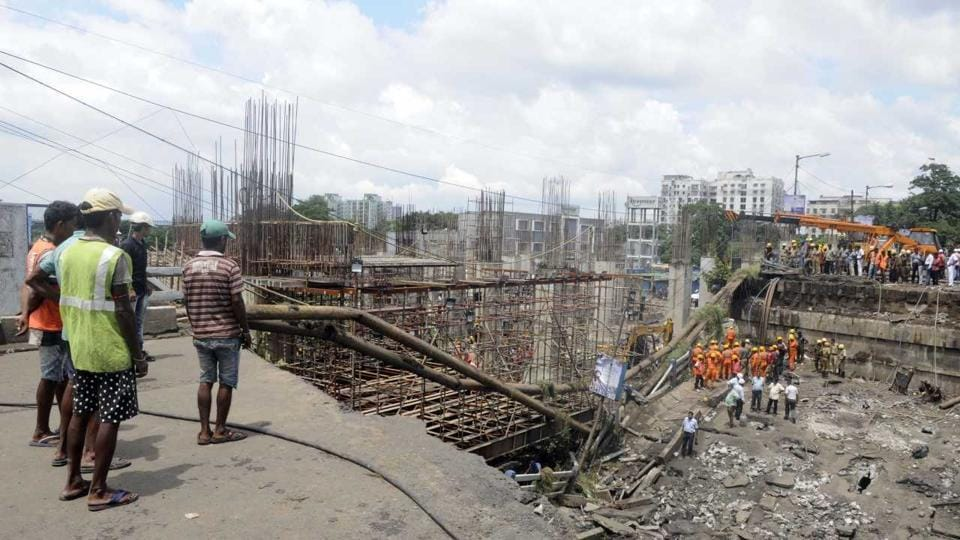 A section of the bridge collapsed on September 4 disrupting an arterial connection between the city of Kolkata and South 24 Parganas district. The Diamond Harbour Road, of which the bridge was a part, is one of the routes which was used by some vehicles going to and coming from Kolkata Dock Complex.