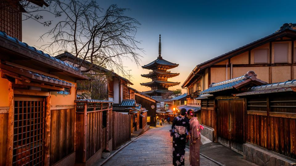 Kyoto was Japan's imperial capital for over 1,000 years. Today it boasts of 17 spaces that are part of UNESCO's Historic Monuments of Ancient Kyoto. Visit Kyoto to view the wooden architecture and unwind at landscape gardens.  (UNSPLASH )