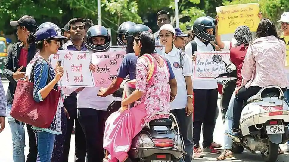 Helmet rule,Chandigarh,women riders