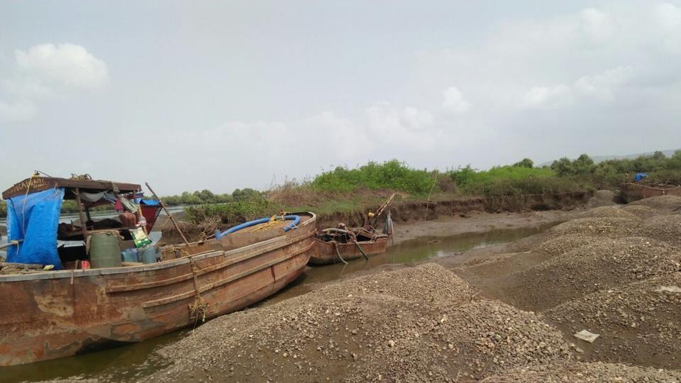 Mumbai,Navi Mumbai,Illegal sand mining