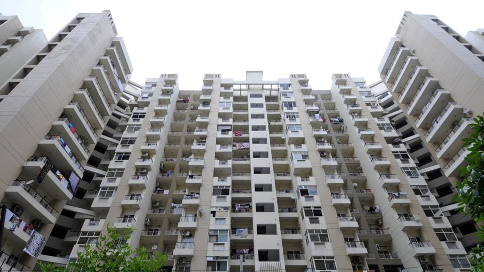 Currently, an investor is wary of putting money in projects where only minor construction work is pending as there is no clarity on return of their invested money.  (Sunil Ghosh / HTPhoto)