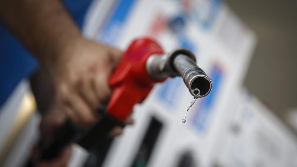 Petrol prices touch Rs 90.11 in this Indian city