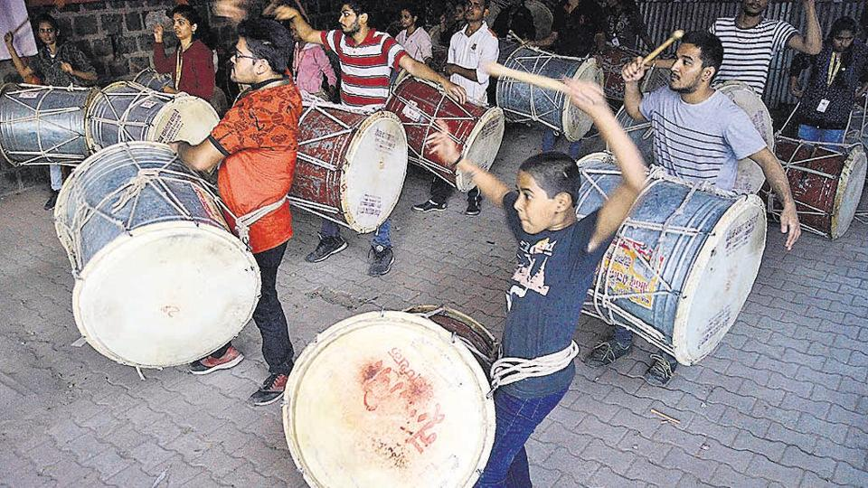 Pune,dhol pathaks,disappointed