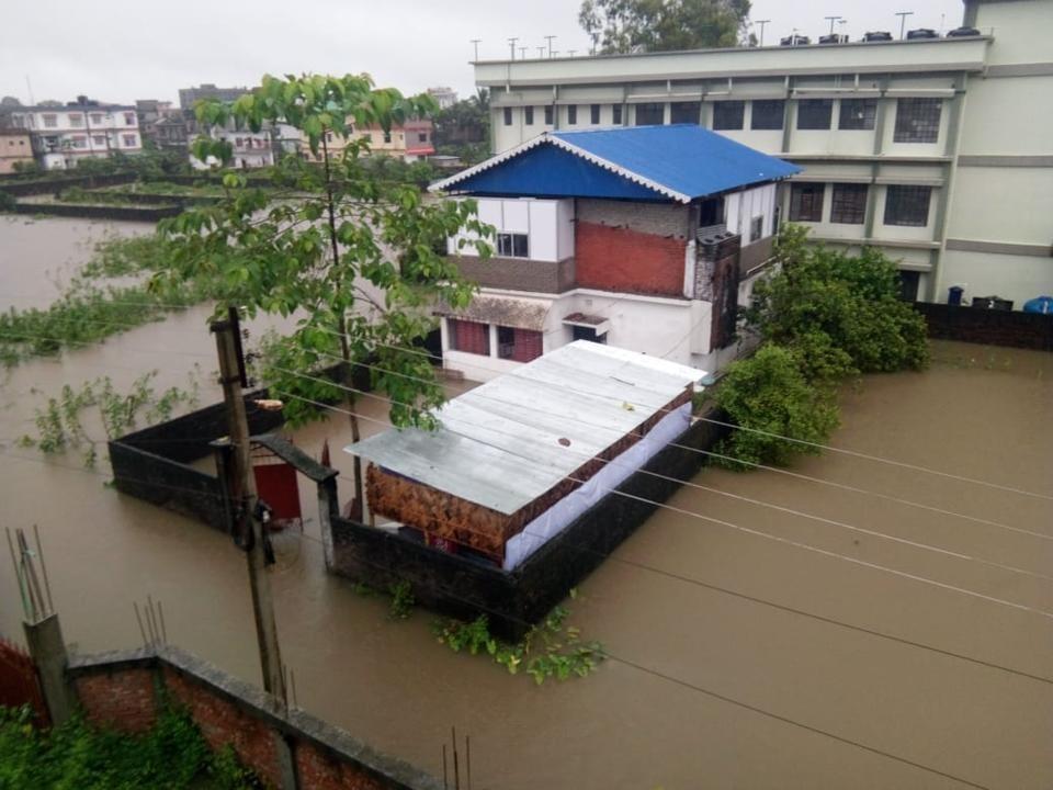 Bengal floods,heavy rains,North East Frontier Railway