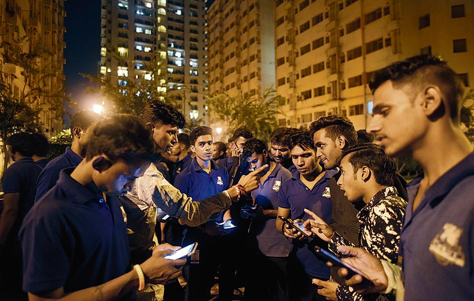 An investigator said four of the five dead men were working as STP operators and fitters, while the fifth was from the housekeeping department at DLF Capital Greens in Moti Nagar.