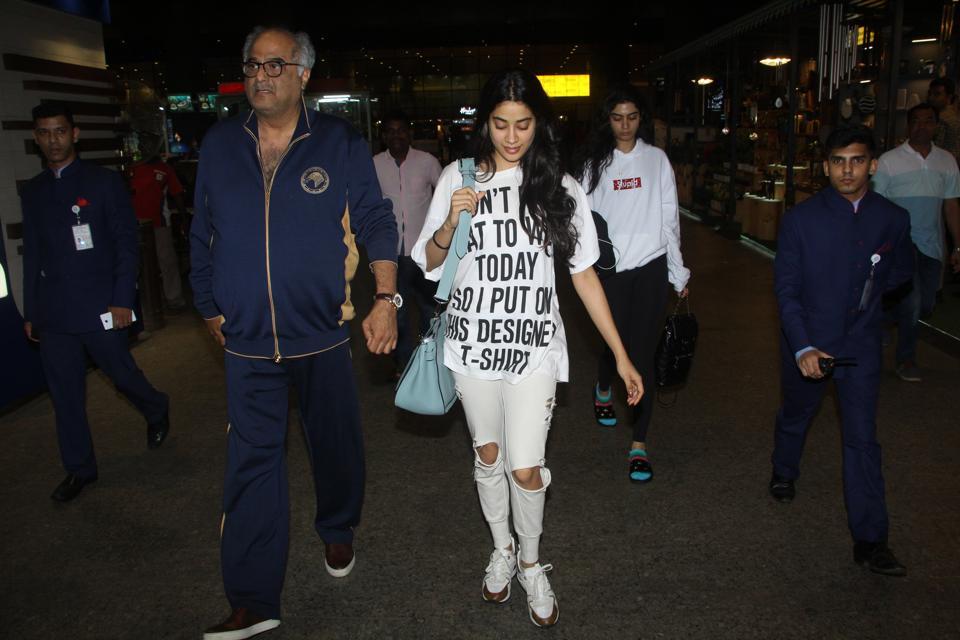 Khushi Kapoor,Janhvi Kapoor,Boney Kapoor