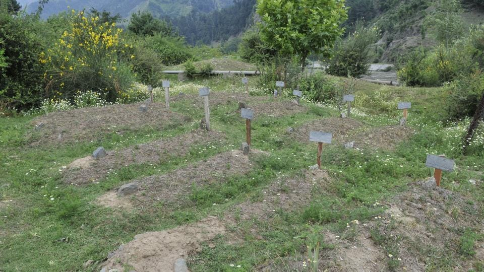Gantmulla graveyard in Srinagar. A Mahadalit man in Bihar's Madhepura district was forced to bury his wife inside his house after his neighbours did not allow him to cremate her on their land in the village where there is no community crematorium.