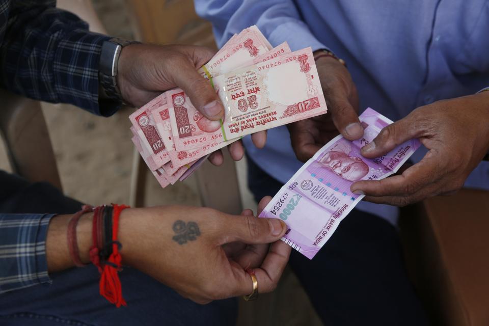 Rupee value,Falling rupee,Crude price