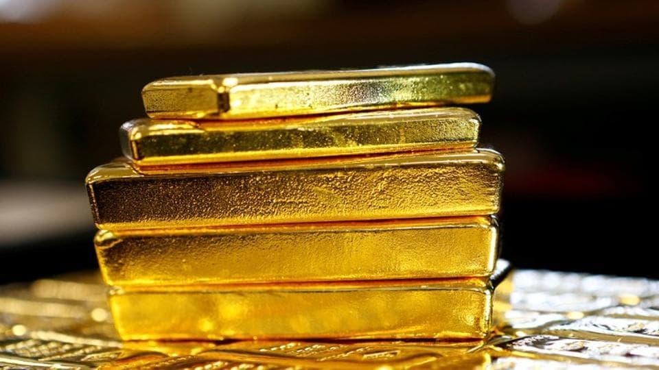 Gold smuggler,Gold hidden in rectum,gold