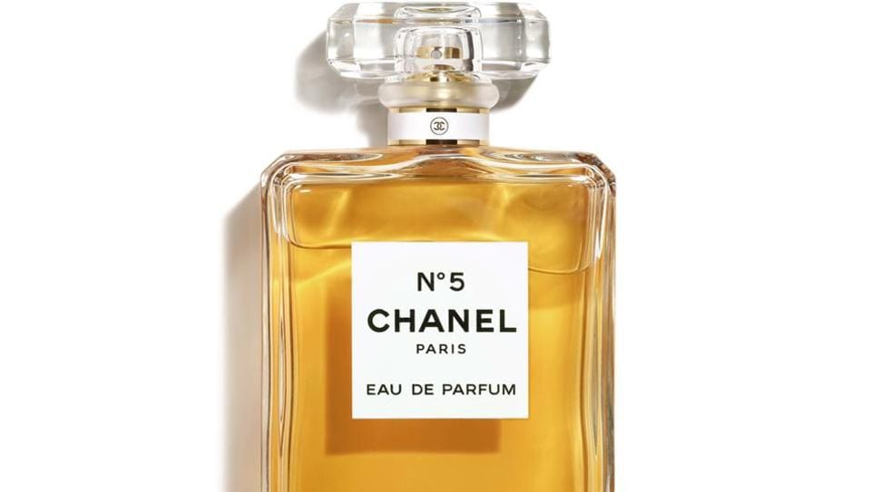 Top 10 Classic Perfumes Every Woman Must Choose As Her Signature