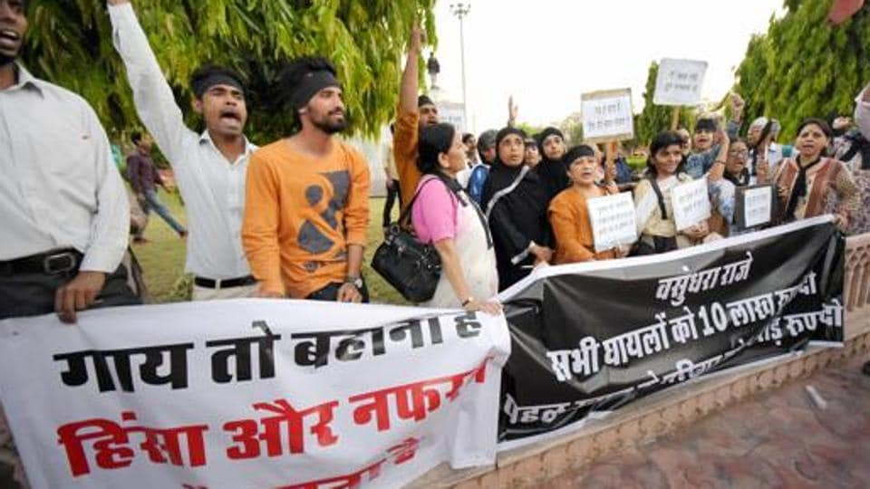 Activists in Jaipur demand the immediate arrest of cow vigilantes who lynched a dairy farmer in Alwar, April 2017. (Photo used for representational purpose)