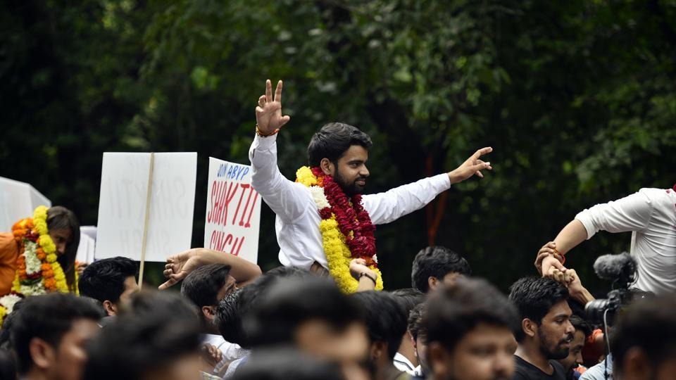 DUSU election 2018 results HIGHLIGHTS: ABVP wins three posts, NSUI bags one; EC says EVMs not allotted by them   delhi news delhi univeristy students union election campaign delhi 1530c534 b76f 11e8 ab60 f008577e130d