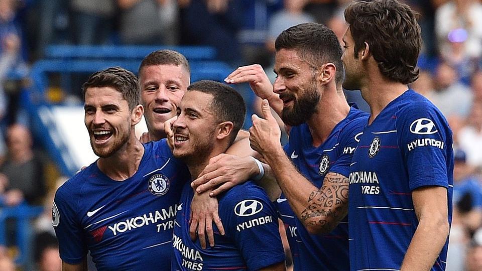 Premier League: Chelsea maintain lead over chasing Manchester City