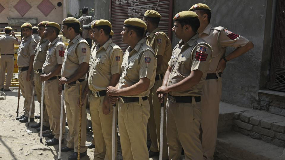 Student police clash in Bengal,Student dead in clash,Islampur