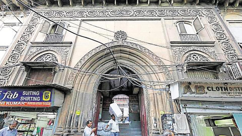 "several haveli owners complained they had ""not been made partners"" during the policy-making process for preservation. They claimed the havelis has been handed over ""heritage"" tags by civic authorities without their consultation."