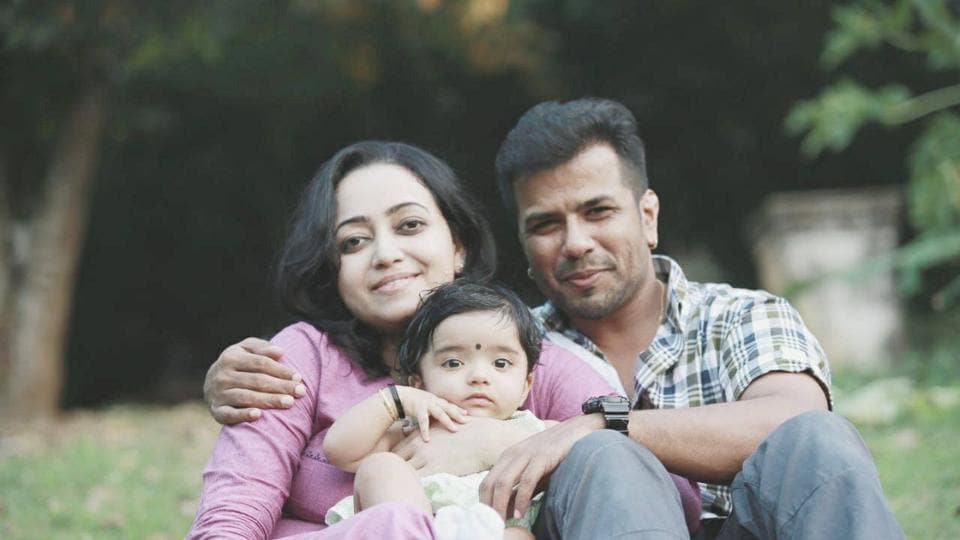 Singer Balabhaskar and wife critical after auto accident, daughter passes away