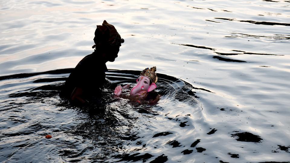 Ganesh immersion,Pimpri,children