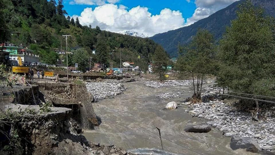 Himachal rains,Heavy rains,road construction