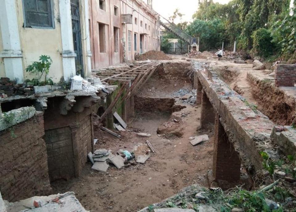 Hidden storeys,Chattar Manzil,Lucknow