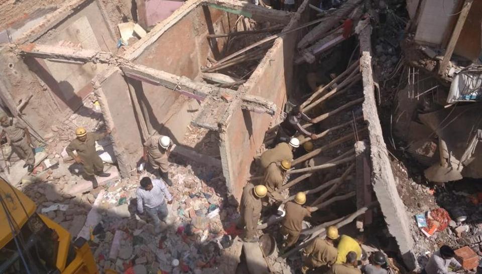 Sawan Park house collapse,Ashok vihar house collapse,Delhi house collapse