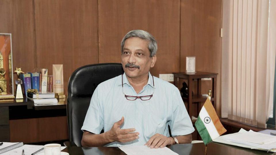 Goa Independent MLA,Manohar Parrikar,Goa chief minister