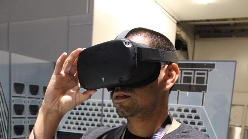 Facebook,Oculus Quest,Oculus VR Headset