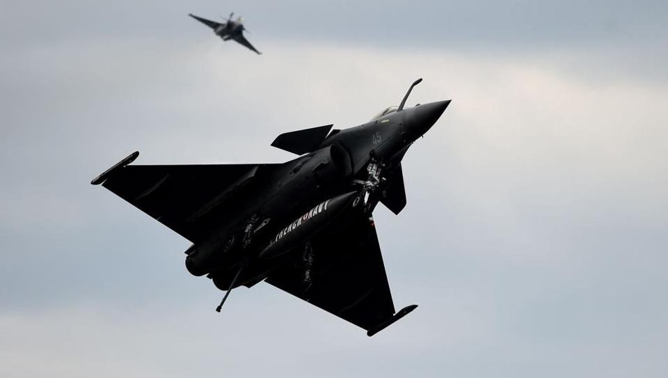 It has been increasingly obvious as the Congress ratchets up the clamour on the Rafale deal that the Modi government is slowly beginning to feel the heat