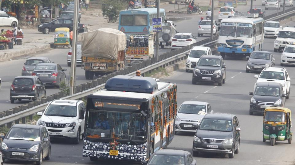 Gurugram's own city bus service launched by Haryana Chief Minister Manohar Lal Khattar with other officials seen at Sector 10, in Gurugram, India, on Sunday, September 02, 2018.
