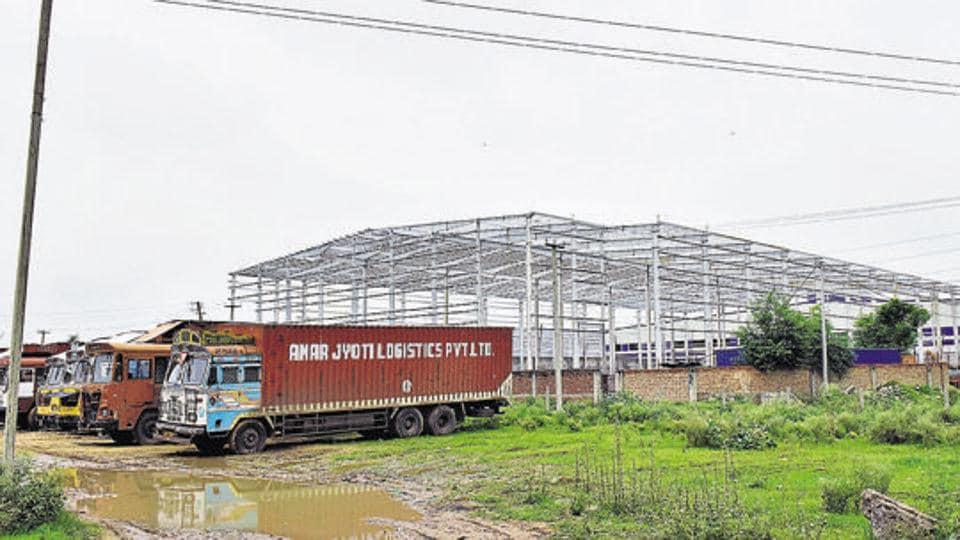 Gurugram,Udyog Vihar,waste dump site
