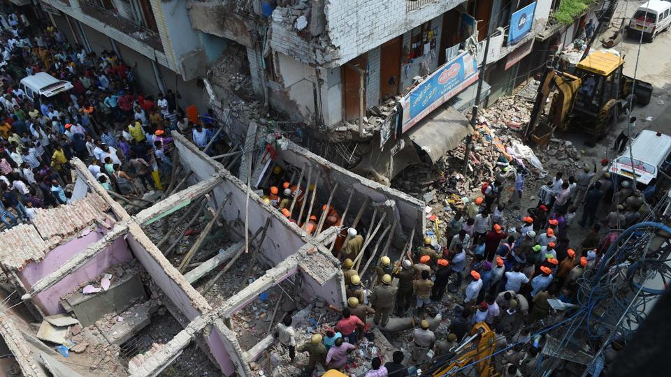 Building Collapse in Delhi,Delhi Building Collapse,Building collapses Sawan Park in Delhi