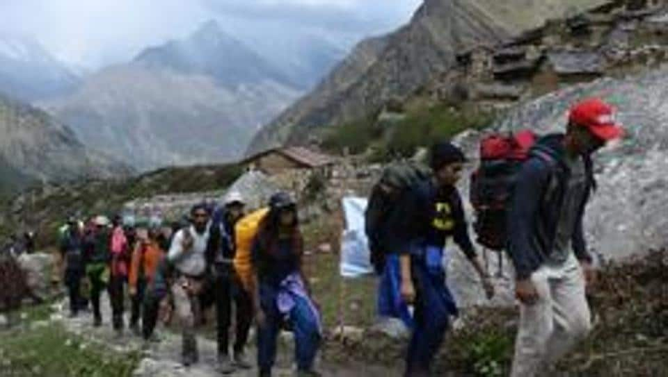 IIT students stranded,trekking,Rescue team
