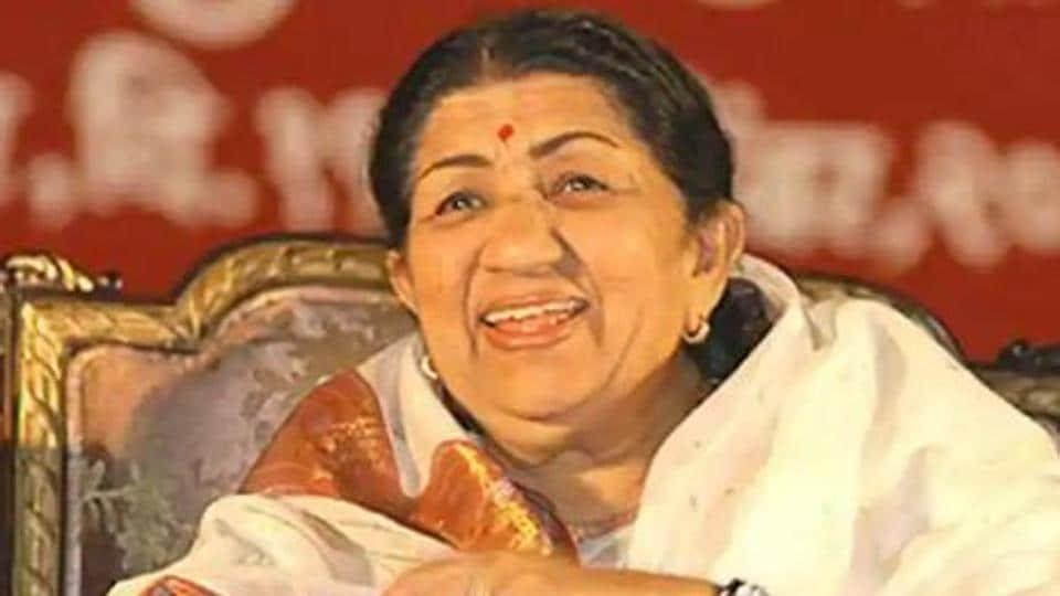 Lata Mangeshkar,Asha Bhosle,PM Narendra Modi