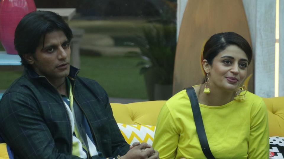 Nehha Pendse and Karanvir Bohra try to manipulate contestants to make them the captain of the house.