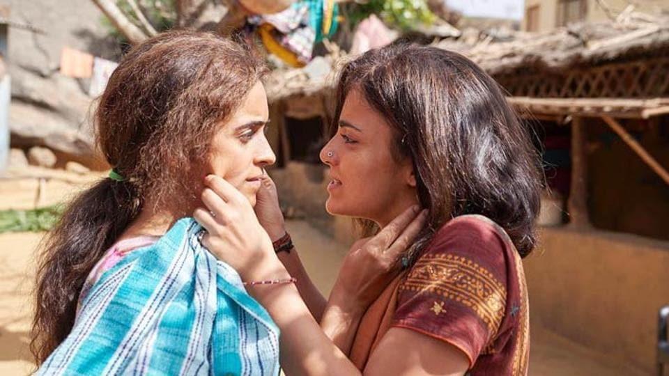 Pataakha,Pataakha movie review,Pataakha review