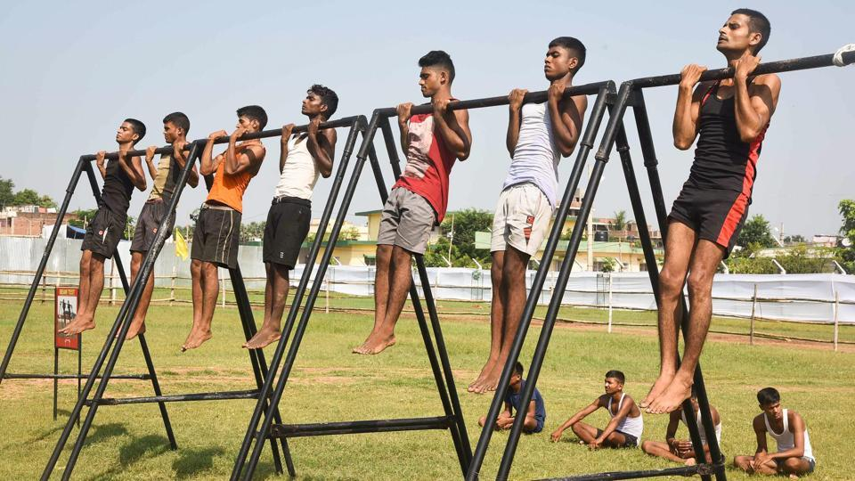Aspirants undergo a physical test during an army recruitment rally at Danapur near Patna, Bihar. (PTI)