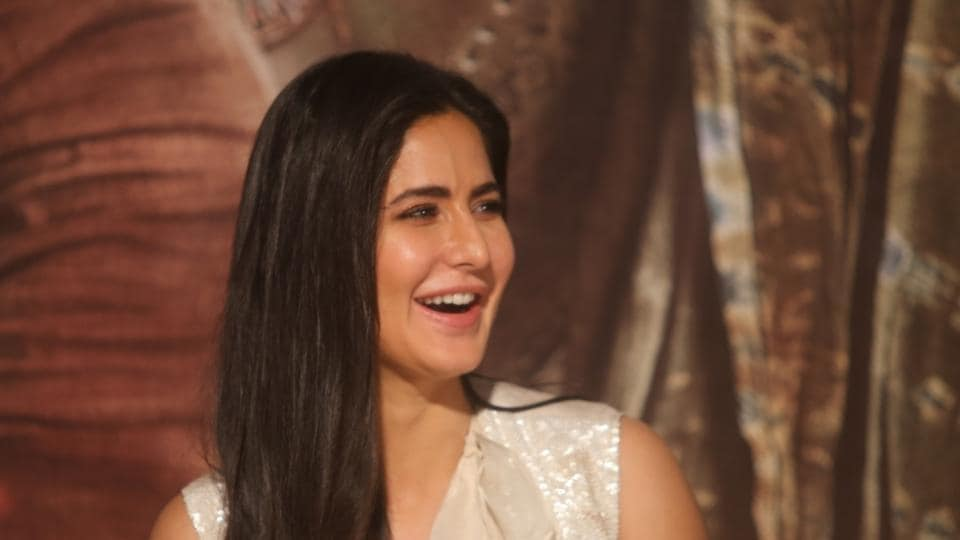 Katrina Kaif,Katrina Kaif missing earring,Katrina Kaif Thugs of Hindostan