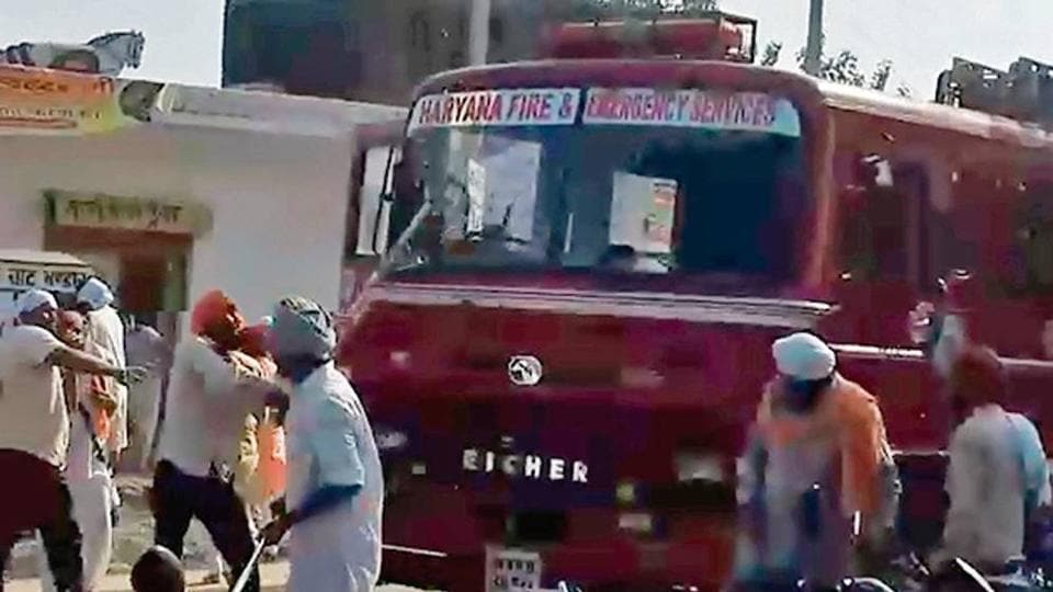 A video grab showing protestors attacking a fire brigade vehicle at Dachar village of Karnal district.